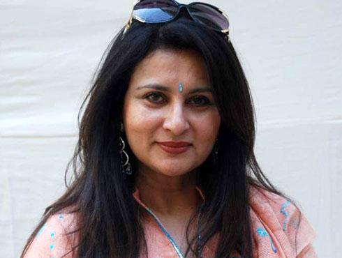 পুনম ধিলোঁ, অভিনেত্রী