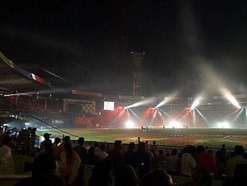 আইপিএল ২০০৮১৮ এপ্রিল ২০০৮। ব্যাঙ্গালোরে জাঁকজমক পূর্ণ উদ্বোধন দিয়ে শুরু হল ভারতের ইতিহাসে ক্রিকেট বিনোদনের নতুন অধ্যায়।