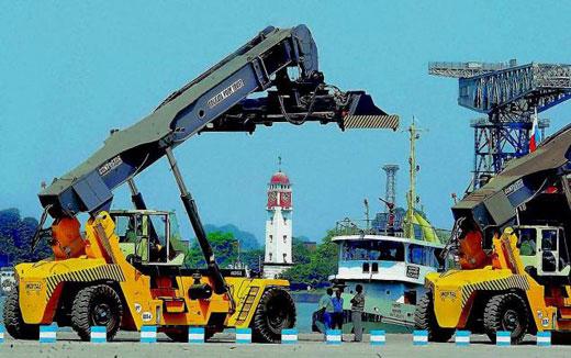 কলকাতায় হামলা চালানোর ছক কষছে জঙ্গিরা! বন্দরে জঙ্গি হামলার আশঙ্কায় উদ্বিগ্ন নৌবাহিনী