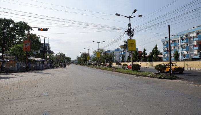 সল্টলেকের রাস্তায় নেই ট্রাফিক সিগনালের বালাই, ধরা পড়ল বেহাল নিরাপত্তার ছবি