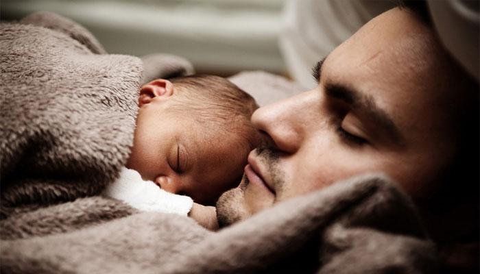সত্যি কি সন্তানের জন্ম দিতে পারবে পুরুষও? কী বলছেন চিকিত্সকরা