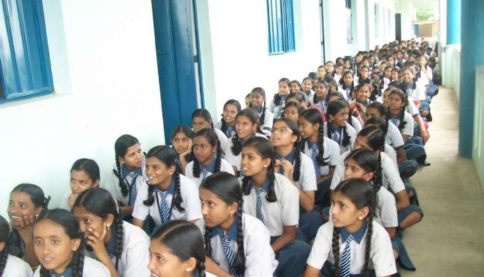 মেয়েদের স্কুলে ৫০ বছরের নীচে শিক্ষক নয়, প্রস্তাব পঞ্জাব সরকারের