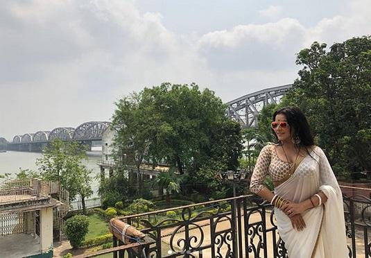 'দুপুর ঠাকুরপো'-র নতুন বৌদি, দেখুন বাঙালি মোনালিসাকে