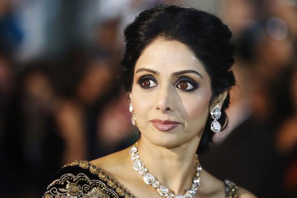 ৬৫তম জাতীয় চলচ্চিত্র পুরস্কার : সেরা অভিনেত্রী শ্রীদেবী, সেরা অভিনেতা ঋদ্ধি