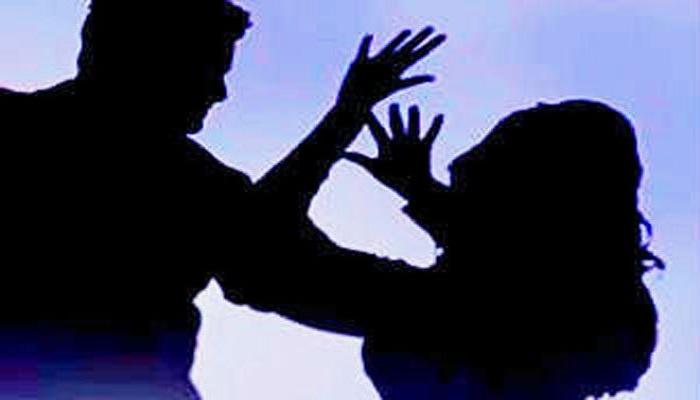 ডিভোর্সের মামলা চলছে, বন্ধুকে দিয়ে স্ত্রীর শ্লীলতাহানির অভিযোগ স্বামীর বিরুদ্ধে