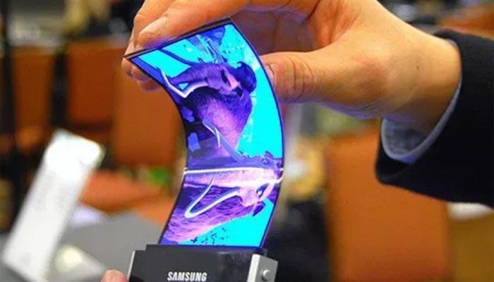 তিন-ভাঁজ করে রাখতে পারবেন Samsung-এর নতুন Galaxy X!