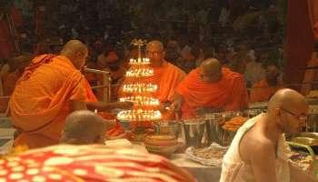১০৮ প্রদীপ-পদ্মে আরতি, নির্ঘণ্ট মেনে সন্ধিপুজোয় আজই নবমীতে প্রবেশ