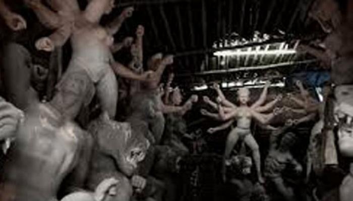 দফায় দফায় বৃষ্টির জেরে কপালে ভাঁজ কুমোরটুলির