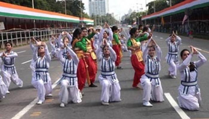 কুচকাওয়াজ, সাংস্কৃতিক অনুষ্ঠানে রেড রোডে পালিত স্বাধীনতা দিবস