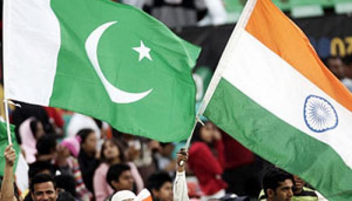 কাল ফুটবলে ভারত-পাকিস্তান যুদ্ধ