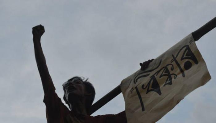 উত্তাল যাদবপুর: শিক্ষামন্ত্রীর কাছে উপাচার্যের ইস্তফা দাবি জুটার, উপাচার্যের নিন্দায় সরব নির্যাতিতা ছাত্রীর বাবা