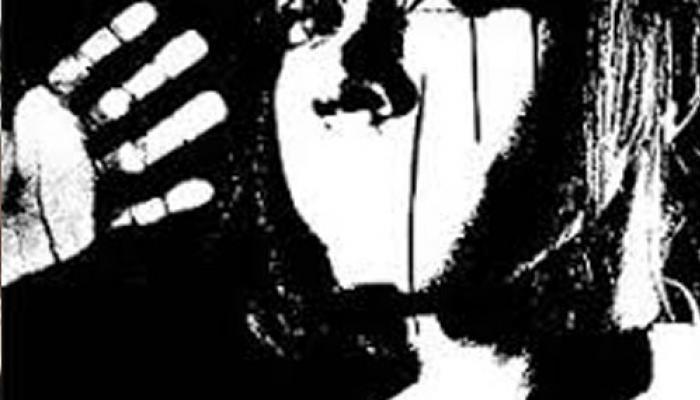 মেয়ের শ্লীলতাহানি রুখতে মার খেলেন বাবা, অপমানে আত্মঘাতী নবম শ্রেণীর ছাত্রী