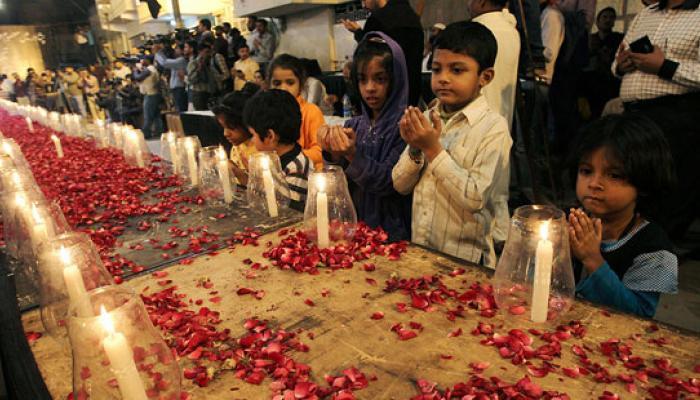 পেশোয়ারে স্কুলে হামলার দায়স্বীকার টিটিপি-র, আজ সর্বদলীয় বৈঠকে বসছেন শরিফ, ৩ দিনের জাতীয় শোক পাকিস্তানে