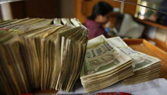 বিদেশী ব্যাঙ্কে  অ্যাকাউন্টধারী ৬০ কালো টাকার মালিকের নাম আজ সম্ভবত ঘোষণা করবে সরকার