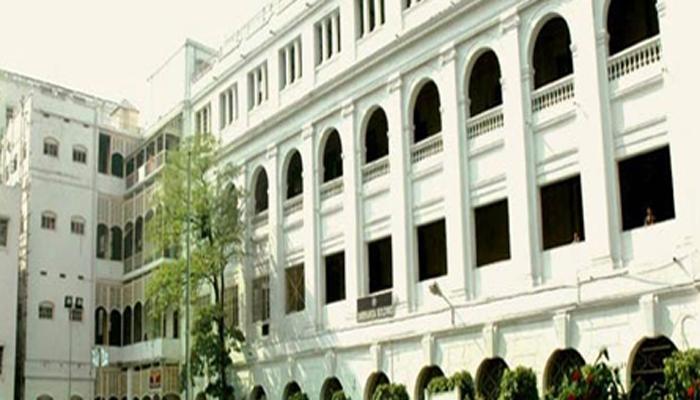 পার্ট টাইম কলেজ টিচারদের বিক্ষোভে  উত্তপ্ত  কলকাতা বিশ্ববিদ্যালয়
