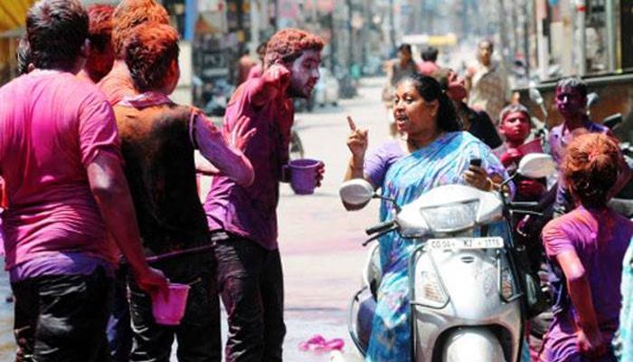 'মদ খাবো, টাকা দে', টাকা না পাওয়ায় পড়শিকে পেটাল ক্লাবের ছেলেরা