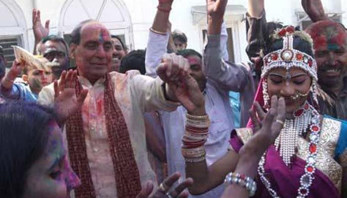আজ রাজনীতি নয়, শুধুই হোলি খেলবেন  রাজনাথ সিং