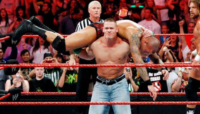 WWE স্টান্ট নকল করতে গিয়ে মৃত্যু কিশোরের