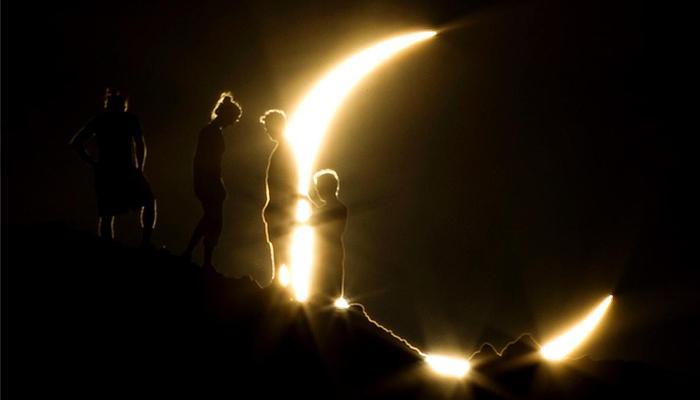 পূর্ণগ্রাস সূর্যগ্রহণে ইউরোপের ঝলমলে আকাশ যেন হঠাৎ রাতের আঁধার