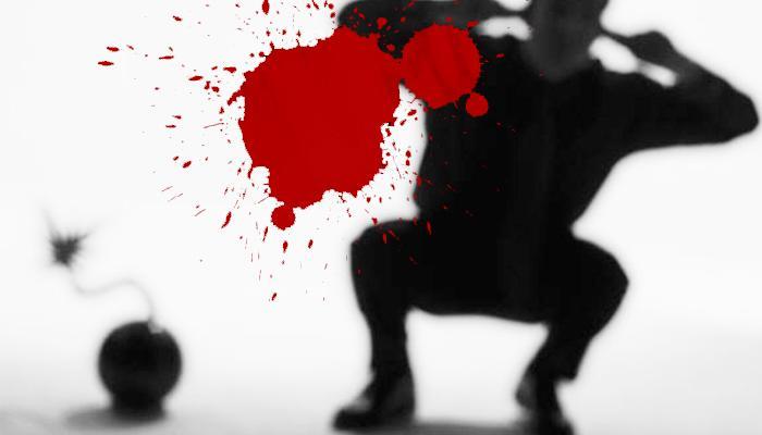বোমা বাঁধতে গিয়ে উড়ল হাত, ভোটের মুখে তৃণমূলের বিরুদ্ধে সন্ত্রাসের অভিযোগ এলাকাবাসীর
