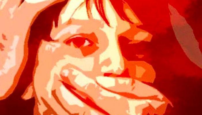 ক্লাস ইলেভেনের ছাত্রীকে অপহরণের চেষ্টা সিভিক পুলিসের, হাত কামড়ে পালিয়ে বাঁচে ছাত্রী