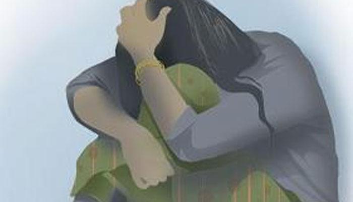 ইভটিজিংয়ের প্রতিবাদ করায় তরুণীকে শ্লীলতাহানি, মারধর