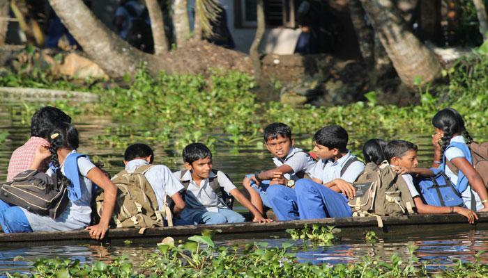 ১০০% প্রাথমিক শিক্ষা অর্জনে ভারতের প্রথম সফল রাজ্য হল কেরল