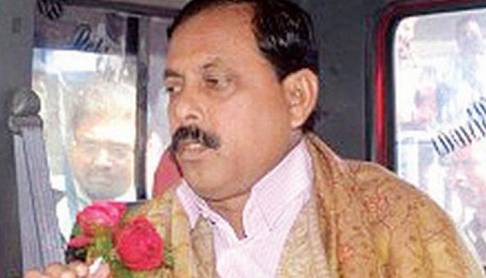 'তাজা নেতা'আরাবুলকে ফিরিয়ে নিল তৃণমূল