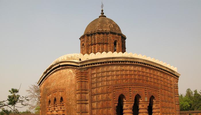 পূর্ত দফতরের বুলডোজারে অস্তিত্ব সংকটে মল্ল রাজাদের কীর্তি
