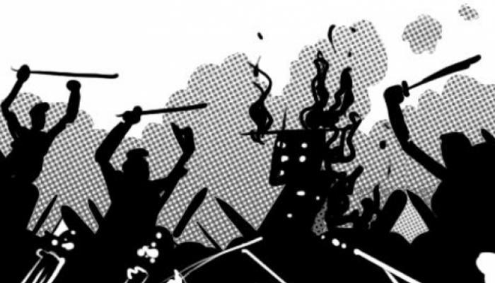 পাচারকারী সন্দেহে এক যুবককে বেধড়ক পেটাল এলাকার লোকজন