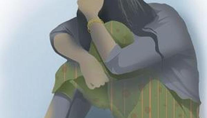 ক্লাস সেভেনের ছাত্রীকে মোটরবাইকে তুলে নিয়ে গিয়ে ধর্ষণের অভিযোগ ঘাটালে
