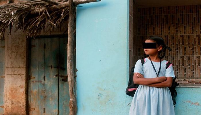 স্কুল কর্তৃপক্ষের অমানবিক মুখ! পড়া বন্ধ হল মালদার ছাত্রীর