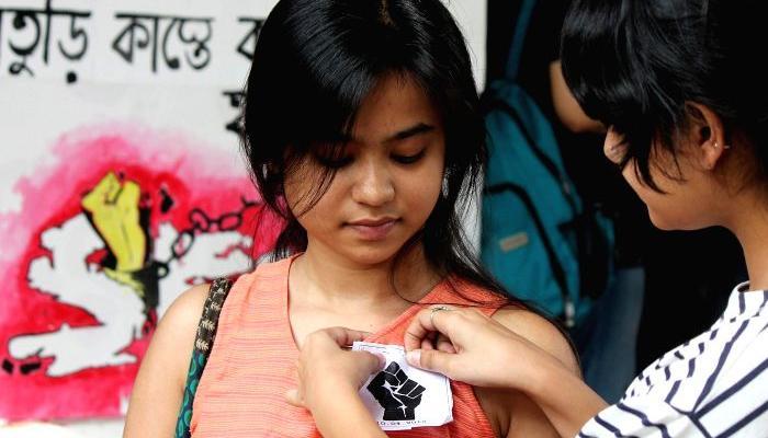 বর্ধমানে ছাত্রছাত্রীদের ওপর পুলিসের লাঠিচার্জের কড়া নিন্দা সূর্য মিশ্রের, প্রতিবাদে কলকাতায় মিছিল SFI-এর