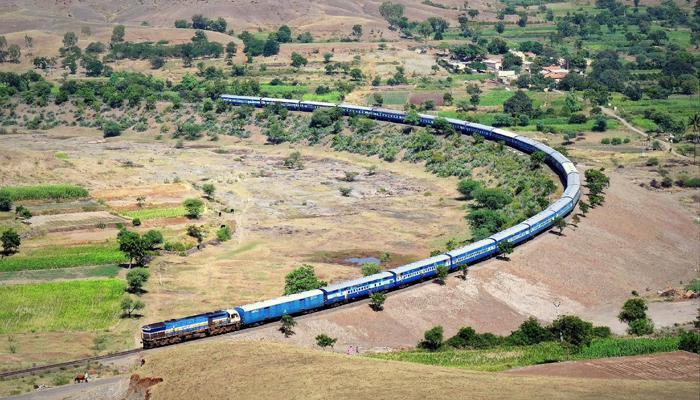 দেশের রেল সব থেকে বড় বাঁক নেয় কোথায়, দেখুন