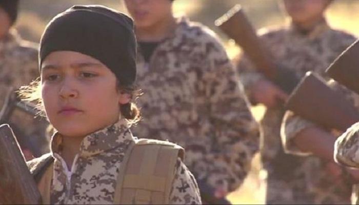 অনাথ শিশুদের ফিঁদায়ে বানাচ্ছে ISIS