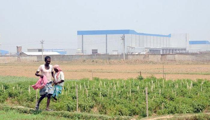 টাটা মোটরসের স্বার্থে আইন ভাঙা যেতে পারে না: সুপ্রিম কোর্ট, সিঙ্গুর নিয়ে তোপের মুখে রাজ্যসরকারও