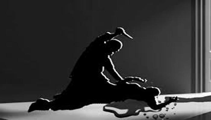 টাকার জন্য স্ত্রীকে পুড়িয়ে মারার অভিযোগ উঠল স্বামীর বিরুদ্ধে