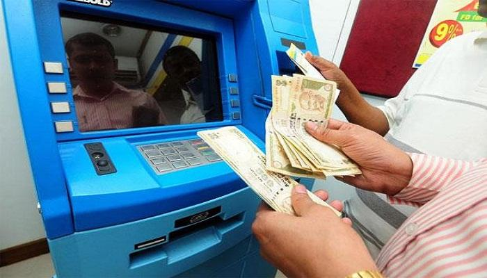 জানেন, কীভাবে সঠিক টাকার অঙ্কটা বেরিয়ে আসে ATM-এ