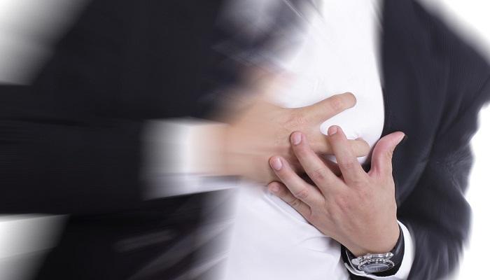 যে লক্ষ্মণগুলি বুঝিয়ে দেবে আপনার হার্ট অ্যাটাক হতে পারে, জেনে নিন