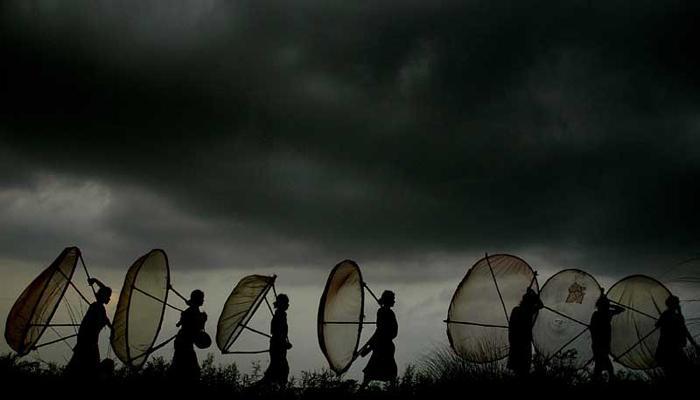 আজ সারাদিন মেঘলা আকাশ থাকবে, কলকাতায় ভারী বৃষ্টির সম্ভাবনা