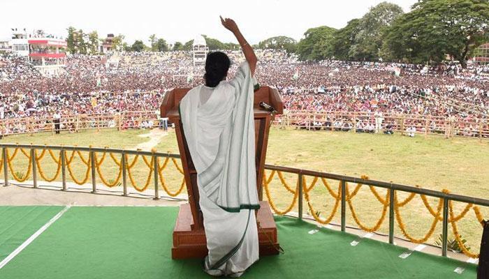 ত্রিপুরায় 'বামপন্থী মমতা' বললেন পরিবর্তন চাই