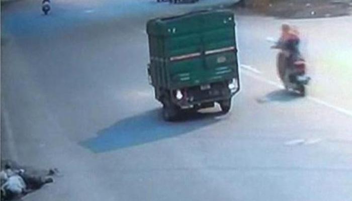 বীভত্স!! 'মনুষ্যত্ব' নিয়েই প্রশ্ন তুলে দিল দিল্লির এই CCTV ফুটেজ