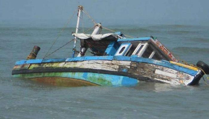 পঞ্জাবের রবি নদীতে একটি পরিত্যক্ত পাক নৌকো আটক করল বিএসএফ