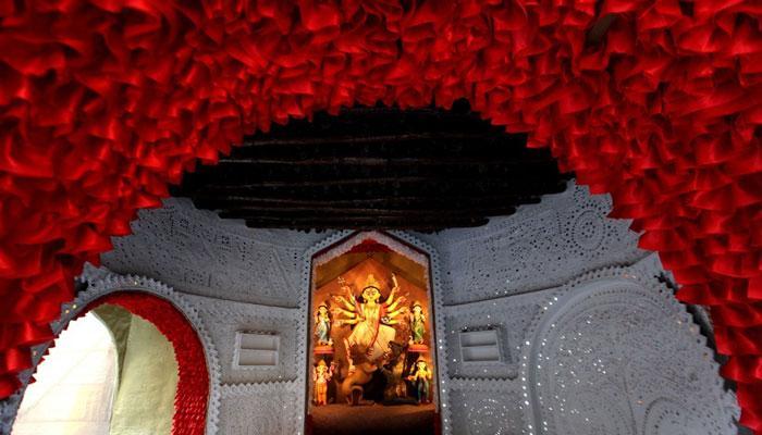 আজ মহাষ্টমী, দুর্গাপুজোর সবচেয়ে আকর্ষণীয় দিন
