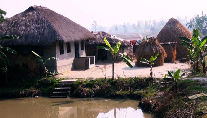 অবশেষে ঘরে ফিরলেন রায়গঞ্জের আব্দুল ঘাটা গ্রামের অঞ্জলী মণ্ডলের পরিবার