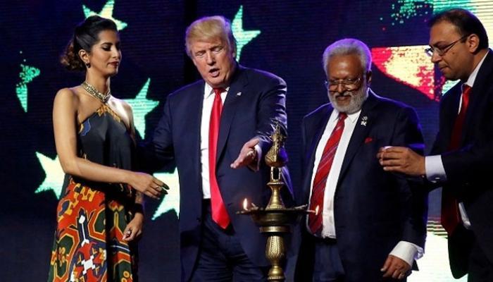 মোদীর স্লোগান ''চুরি'' করে মন জেতার চেষ্টা ট্রাম্পের