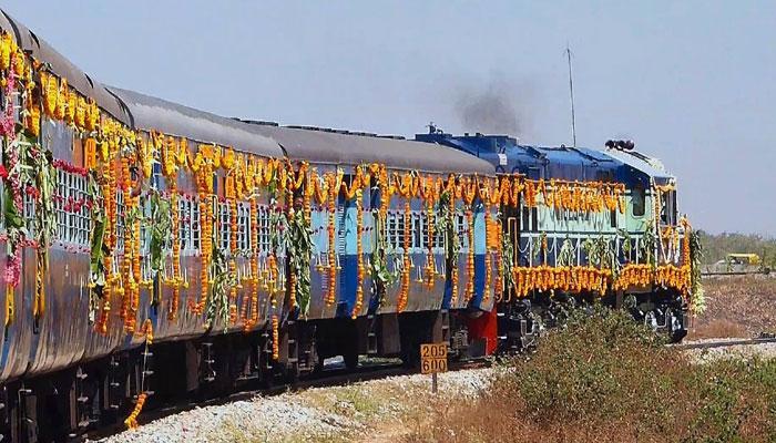 দীপাবলিতে ভারতীয় রেলের উপহার নতুন সুপারফাস্ট ট্রেন