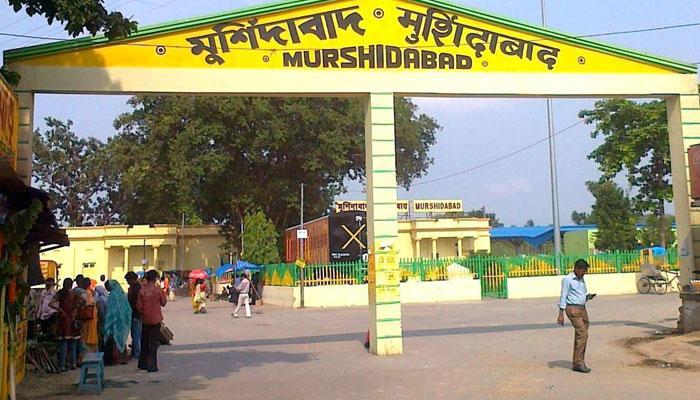 মুর্শিদাবাদের রঘুনাথগঞ্জে মুদিখানার দোকান থেকে উদ্ধার ৪৯ কেজি বোমার মশলা
