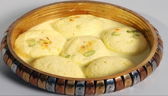 শিখে নিন কীভাবে বাড়িতে বানাবেন 'রসমালাই'