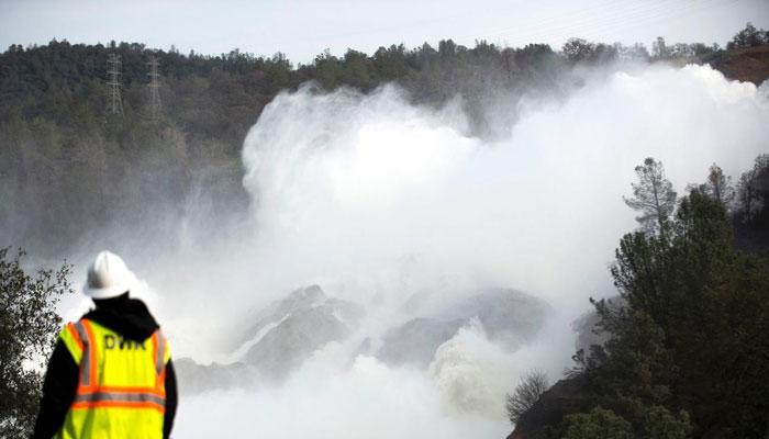 ভেঙে পড়তে পারে আমেরিকার সবচেয়ে উঁচু অরভিল বাঁধ